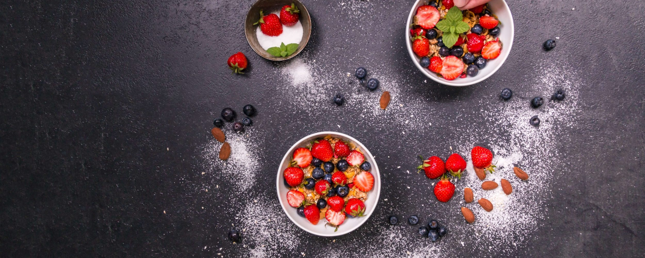 almonds-berries-bowls-461359